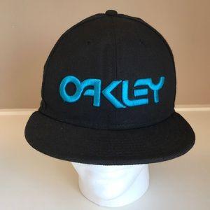 Oakley black baseball hat size 7 3/8 59Fifty